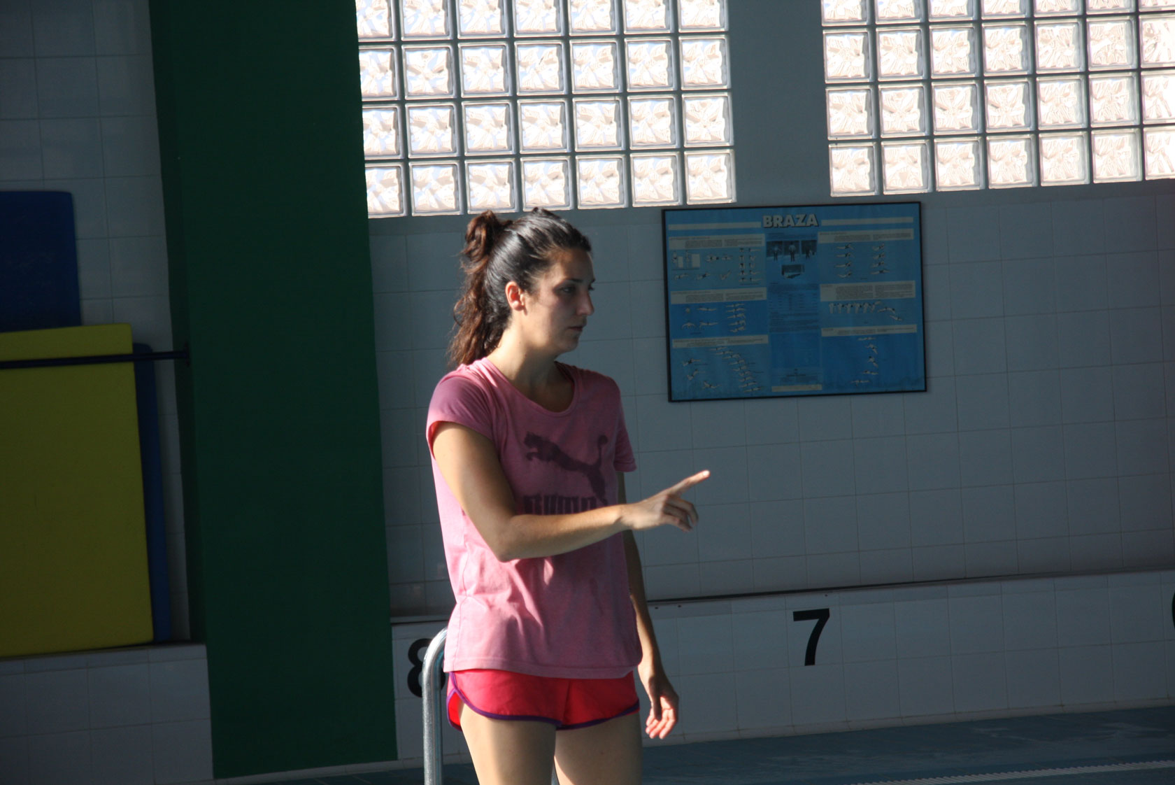 Olympic medallist Andrea Fuentes coaching